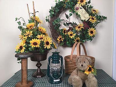 Country Sunflower, lantern. bear